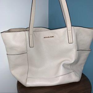White Michael Kors Shoulder Bag